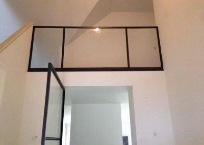 Glazen deuren en overkapping